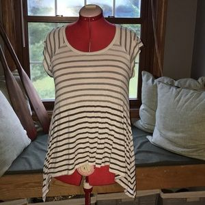 Mossimo ombré stripe tee longer on the sides